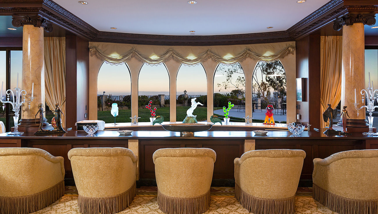 VIPs house for sale on top of Beverly Hills for the