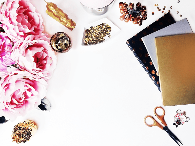 freebies-free-styled-stock-photography-gold-white-and-pink-styled-desktop-gold-and-berry-goldandberry-blog