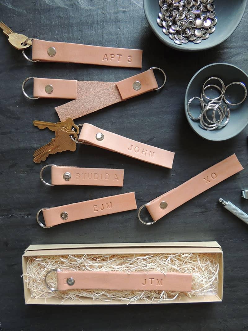 monogrammed-leather-keyring
