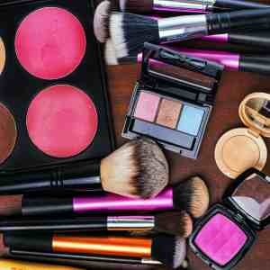 5 of the Best Drugstore Makeup Must-Haves