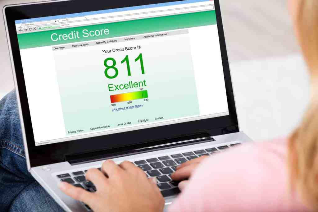 How immigrants can raise their credit score