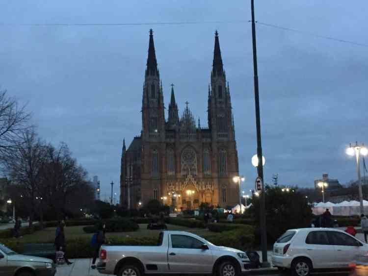 """Catedral Metropolitana de La Plata at Plaza Moreno - """"The personal"""" touch"""" in a big Argentine city"""