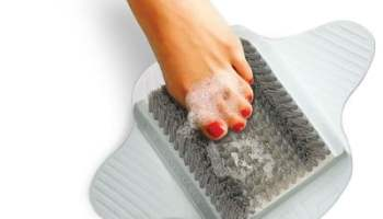 The Shower Foot Scrubber