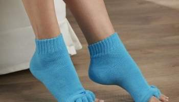 Proper-Toe-Alignment-Socks