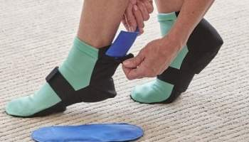 Pain-Relieving-Hot-or-Cold-Therapy-Socks