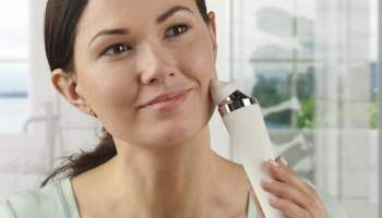 Camera-Assisted-Facial-Pore-Cleanser