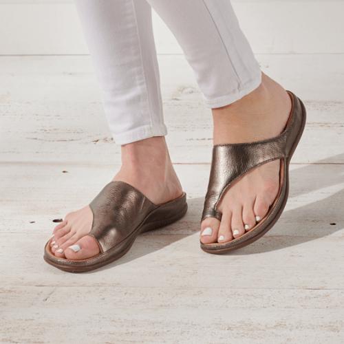 Bunion-Concealing-Slide-Sandals