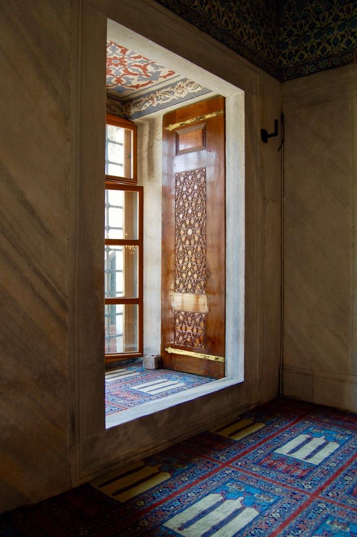 blue-mosque-niche