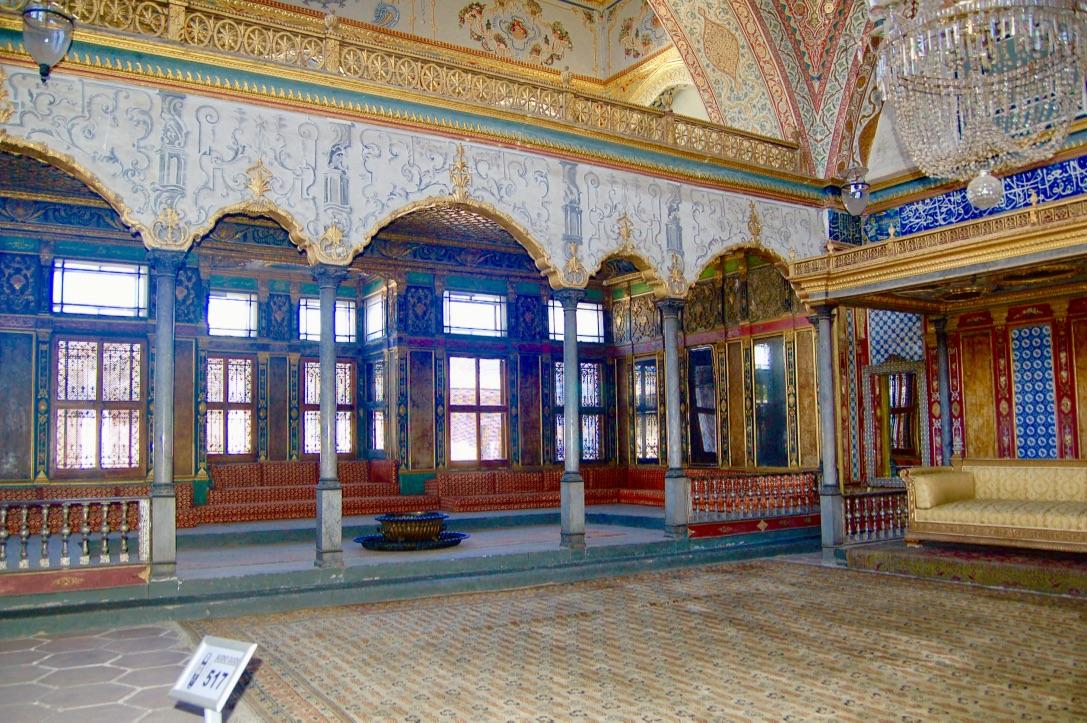 topkapi-palace-hall-of-the-sultan
