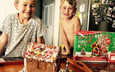 Christmas Is Just Around The Corner! { *WIN a Gingerbread House Kit! }