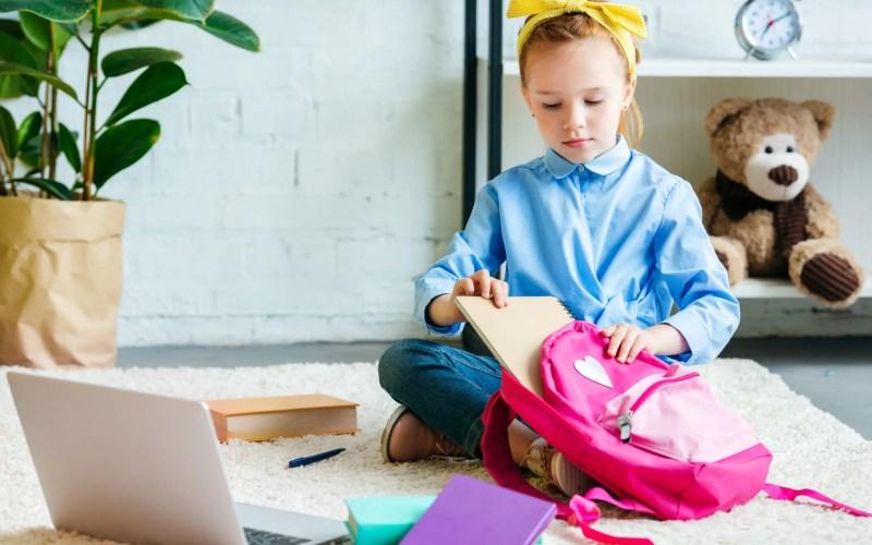 5 Ways to Raise Tech-Savvy Kids (& Responsible!)