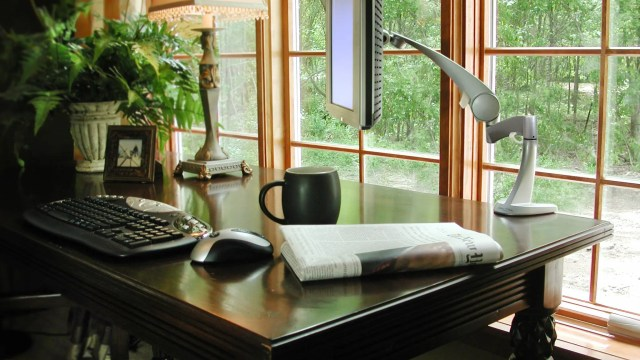 Working from home is the newest trend that the corporate world is now embracing. Find out how with these 4 Tips To Successfully Work From Home