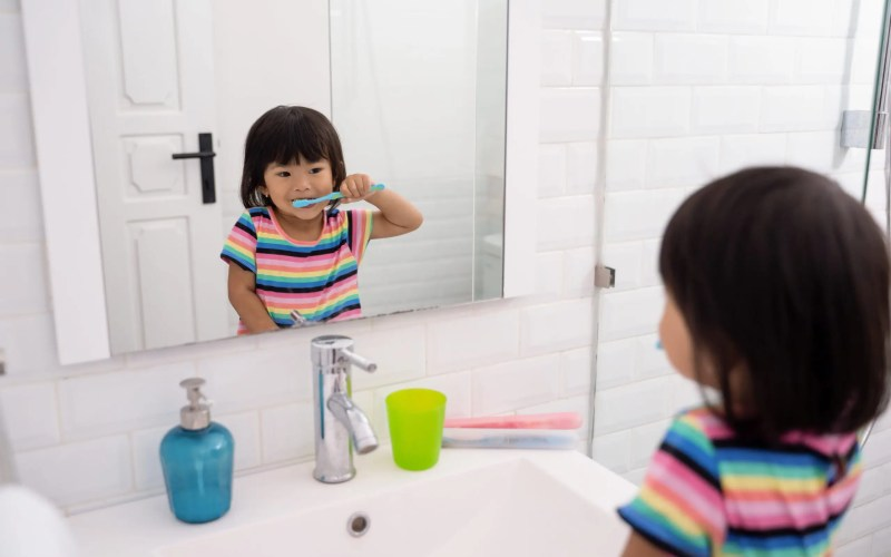 7 Tips On Teaching a Toddler to Brush Their Teeth