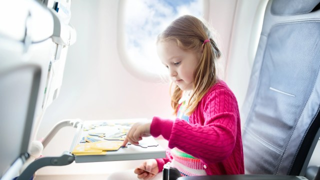 Teaching Kids About Travel Safety is extremely important.  Find out what your children need to learn about staying safe while traveling #traveltips #parentingtips