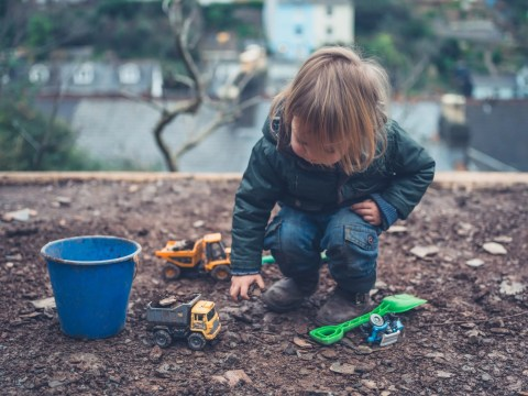 We want our children to grow up to be loved & healthy. If you're concerned about how to, follow these tips on how to raise a healthy toddler. #parentingtips #health #toddlers