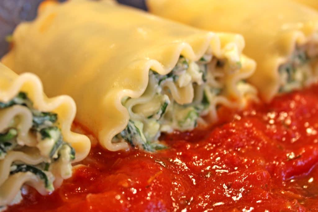 rolls in sauce