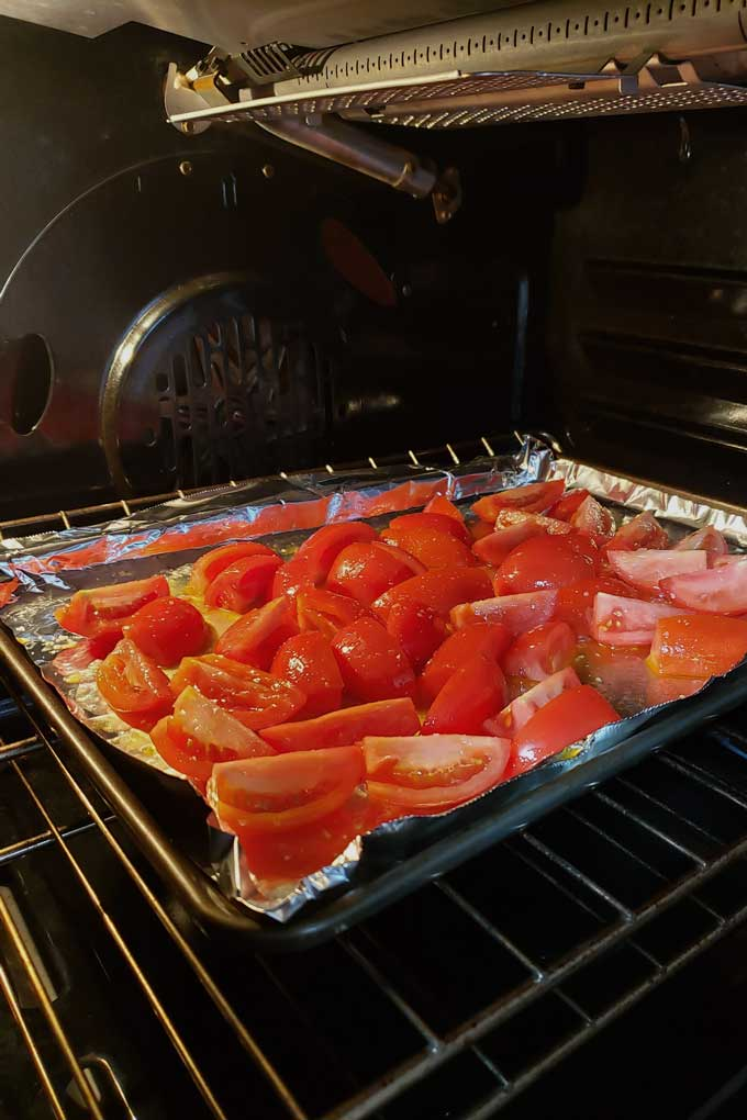 roasting tomatoes in oven