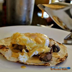 How to Poach An Egg {The Mountain Kitchen Tips