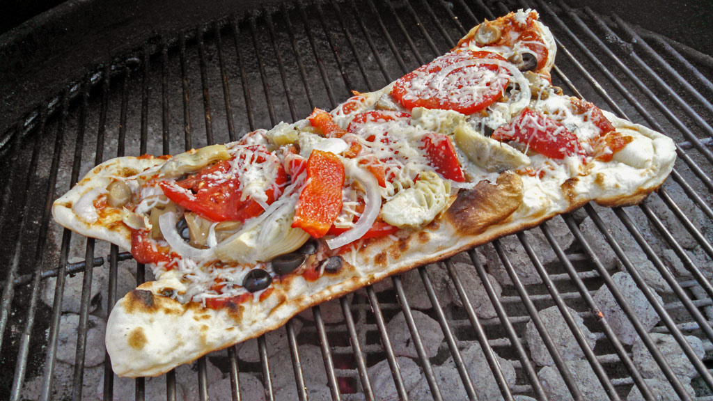 grilled veggie pizza on grill