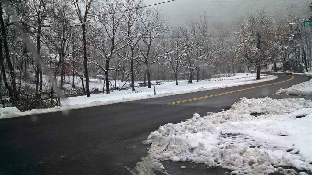 the clear road without snow