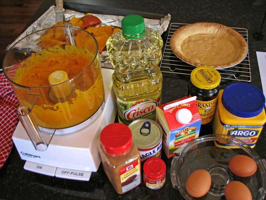 ingredients to make pumpkin pie