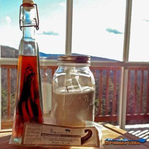 Homemade Vanilla Extract and Vanilla Sugar {The Mountain Kitchen Tips