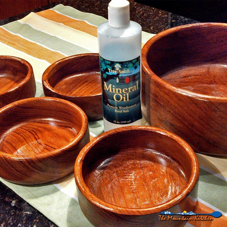 Restoring wooden bowls is easy with just one application of mineral oil, they already look brand new! Try this to preserve your wooden dishes!! | TheMountainKitchen.com