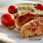 This Tuscan Chicken Zucchini Noodles are a match made in heaven. Seared Tuscan spice rubbed chicken served with creamy ricotta zucchini noodles and ripe juicy cherry tomatoes.   TheMountainKitchen.com