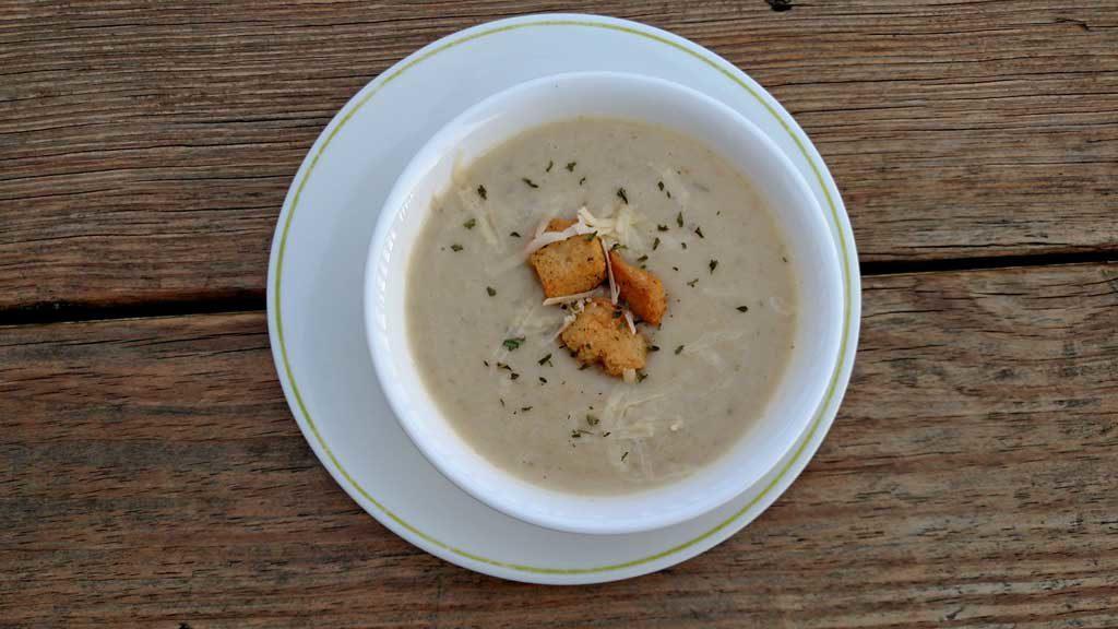 bowl of crock-pot potato leek soup