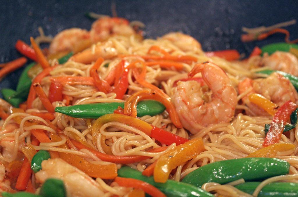 shrimp pasta and veggies tossed together