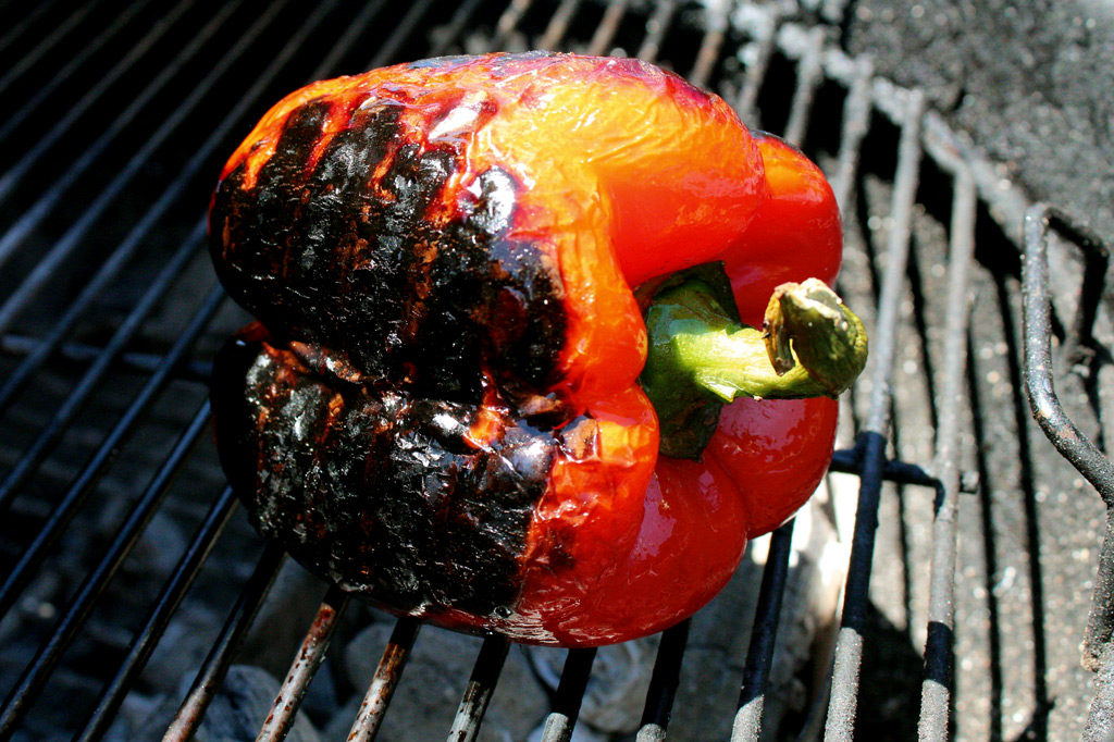 roasted red pepper on grill