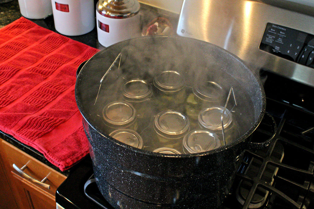 jars in steaming hot canner