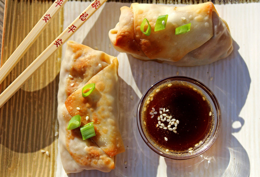 These healthy baked vegetable egg rolls are loaded with fresh vegetables, seasoned with ginger, garlic and soy sauce, with honey sesame dipping sauce.