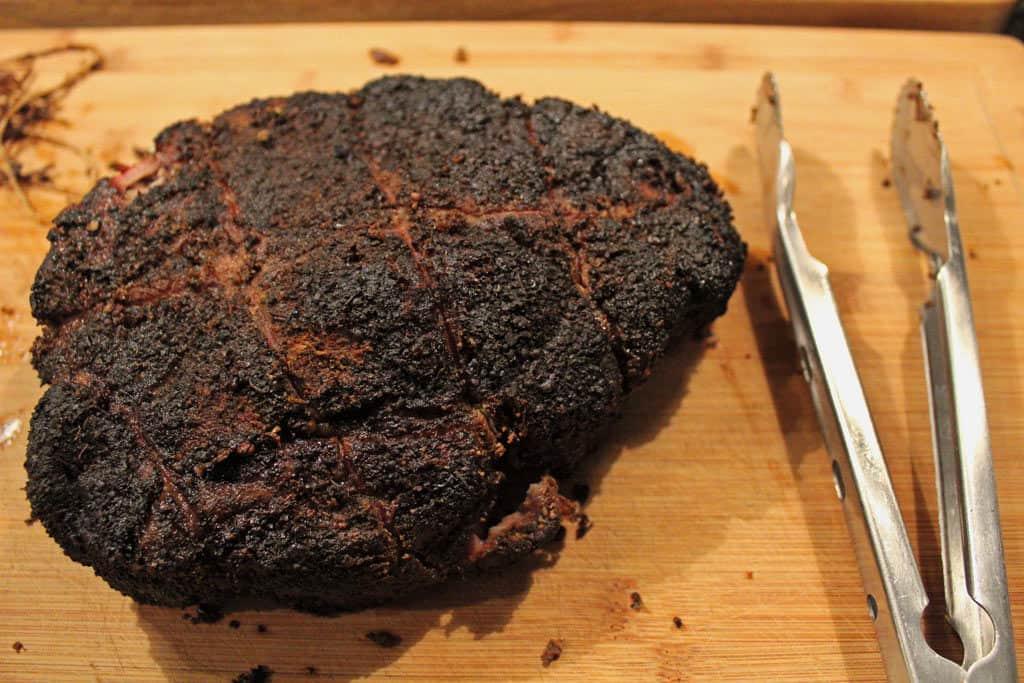 finished smoked chuck roast