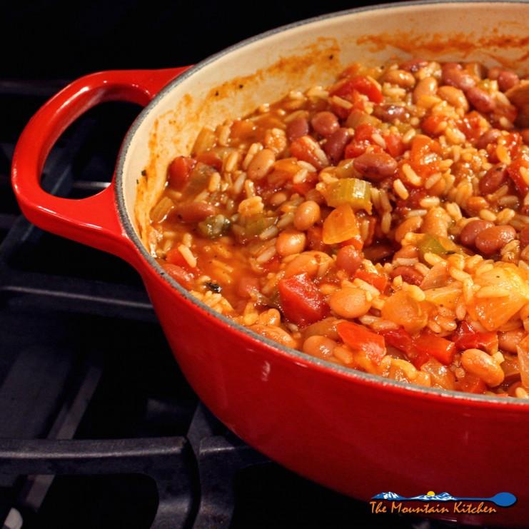 pot of vegetarian jambalaya