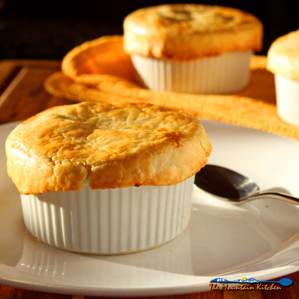 Healthy Mushroom Pot Pies With Cauliflower Sauce {A Meatless Monday Recipe