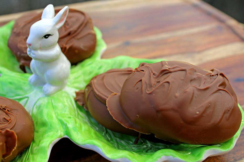 Decadent, quick and easy to make, these Peanut Butter Eggs are made using only 5 ingredients, making them the best no-bake Easter treat ever!