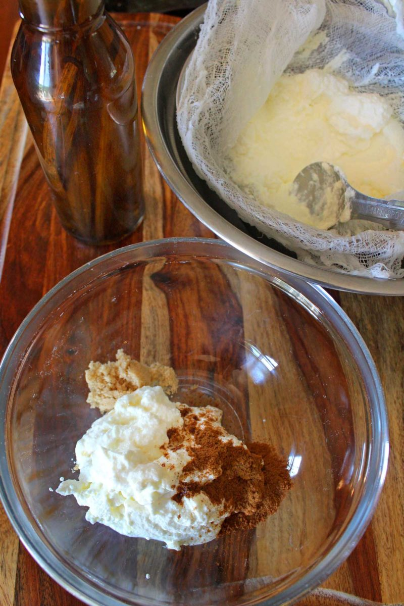 Crème ingredients in bowl