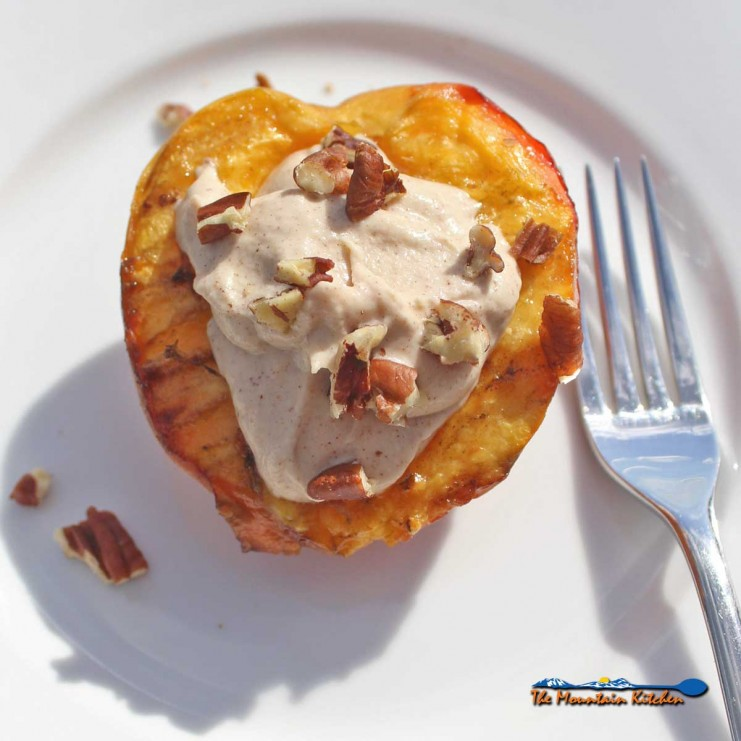 grilled peaches with cinnamon ricotta creme