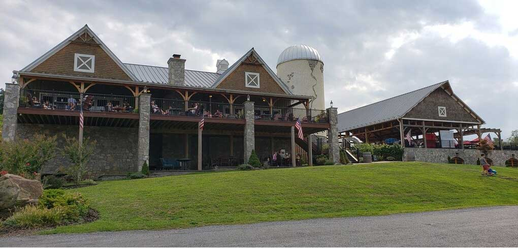 Creeks Edge Winery from outside
