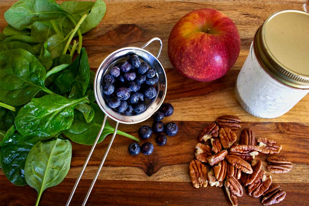 ingredients to make blueberry spinach salad