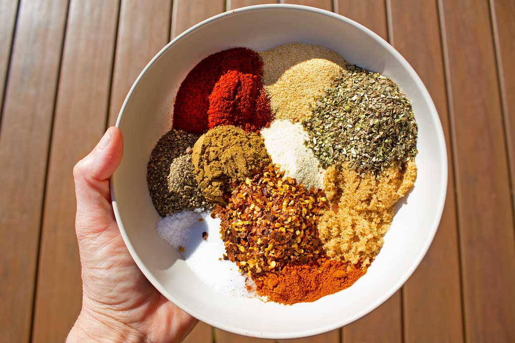spices in bowl to make spicy dry rub
