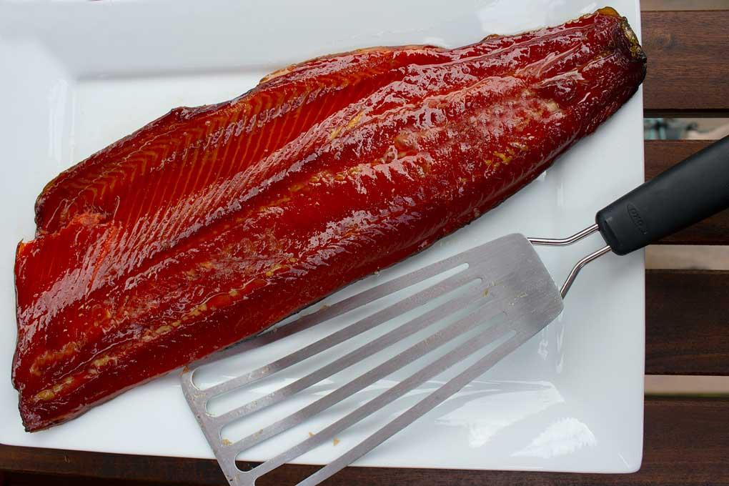 smoked salmon on platter with fish spatula