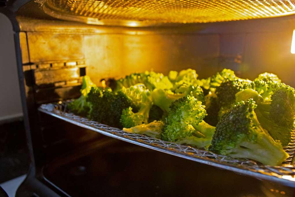 broccoli inside air fryer