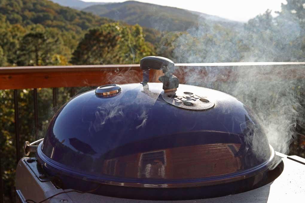 smoking Weber kettle grill