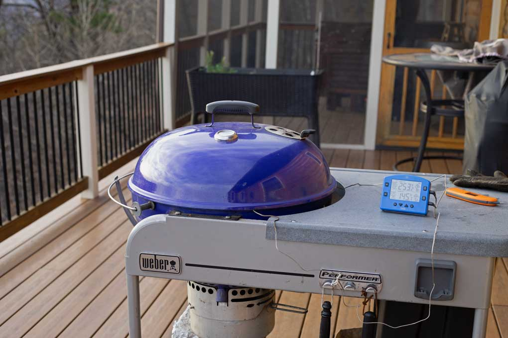 Weber Performer with probe thermometer