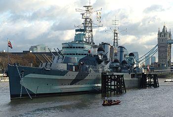 English: HMS Belfast (C35), London, England. H...