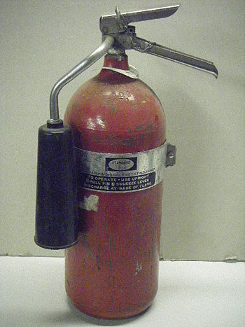 English: 5lb. CO2 extinguisher, USA