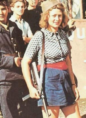 Simone Segouin with MP 40 submachine gun, Paris area, France, late Aug 1944 ww2dbase