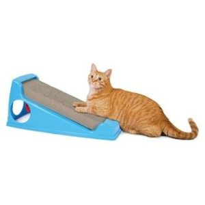 Inclined Cat Scratcher, example for cat scratching